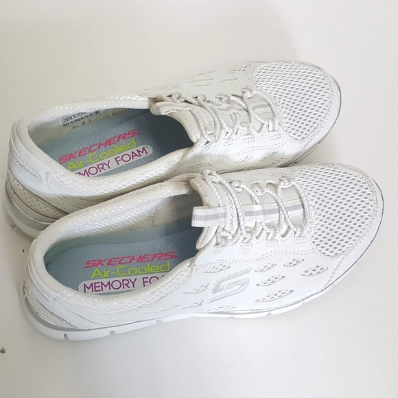 Skechers Aircooled Memory Foam Sz 6m